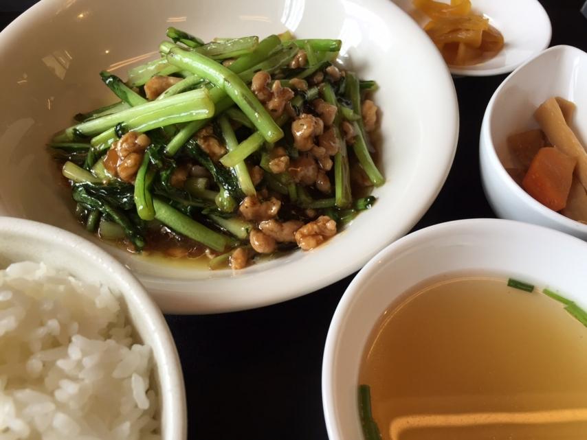 鶏挽き肉と小松菜のオイスター炒め