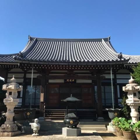 行田市・成就院の本殿