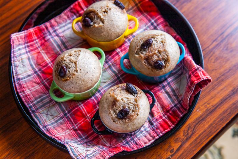 黒豆の甘露煮を使った蒸しパン