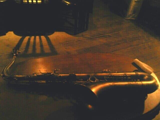ジャズで使われるテナーサックス