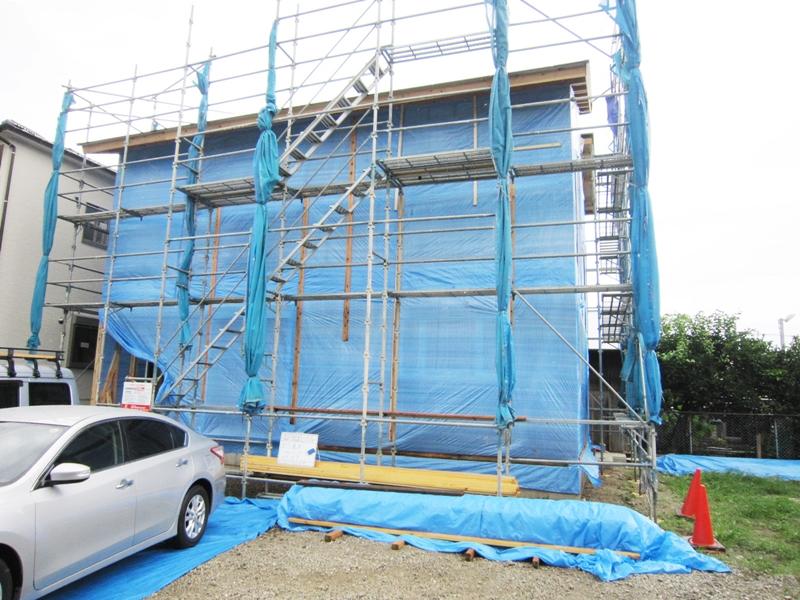 台風の時の新築現場