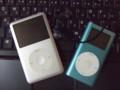 iPod classic 120GB と iPod mini 4GB