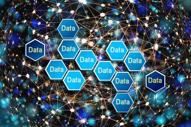 写真:データ化する