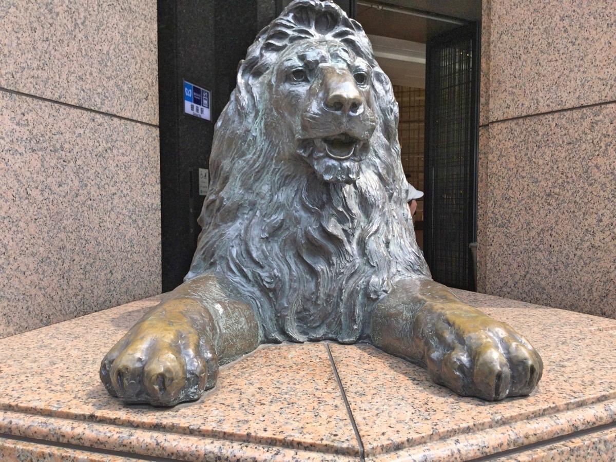 ライオン像