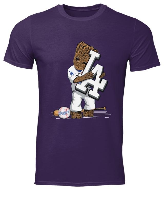 ... Groot hugs Los Angeles Dodgers shirt. f id khai11040512 20181011193319p  plain 5d176205b