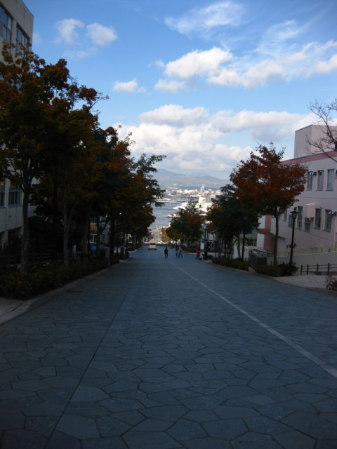 HachiMan-zaka,Hakodate-201310