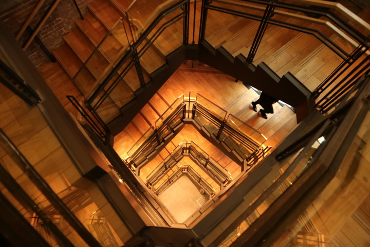 Spiral-Staircase,TokyoStationGallery-2017,tokyo-station