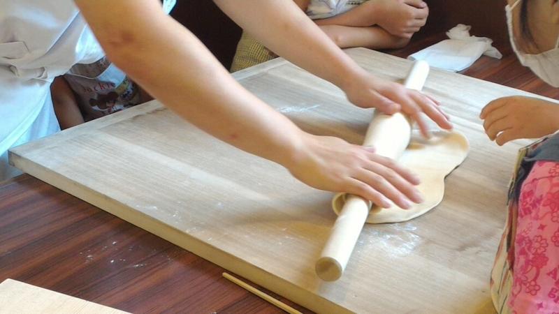丸亀製麺、仕上げ伸ばし