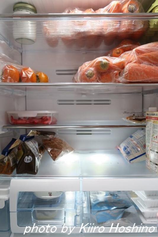 冷蔵庫中身、中央+にんじん