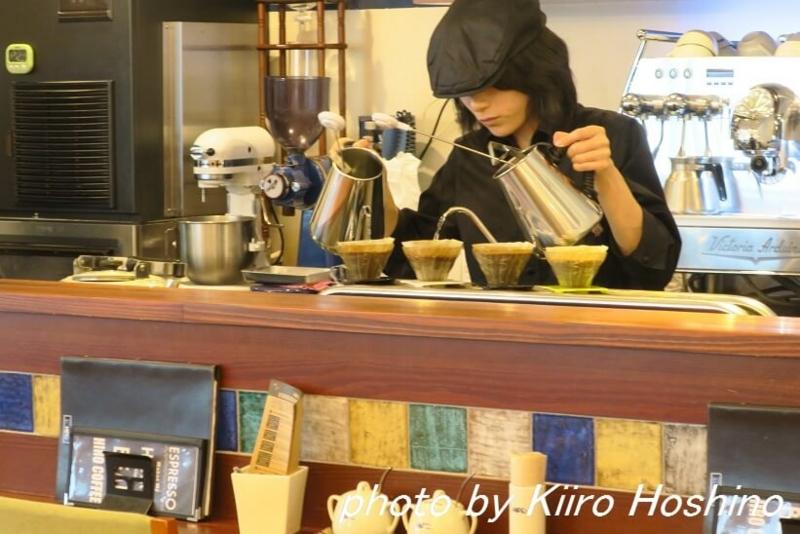 ヒロコーヒー大丸梅田店、カウンター
