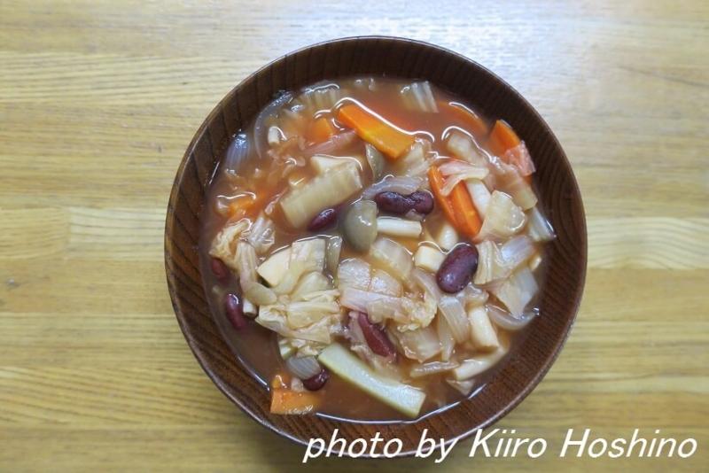 作り置き、きのこと白菜のトマトコンソメスープ