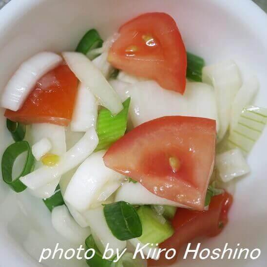 酢玉ねぎのアレンジサラダ