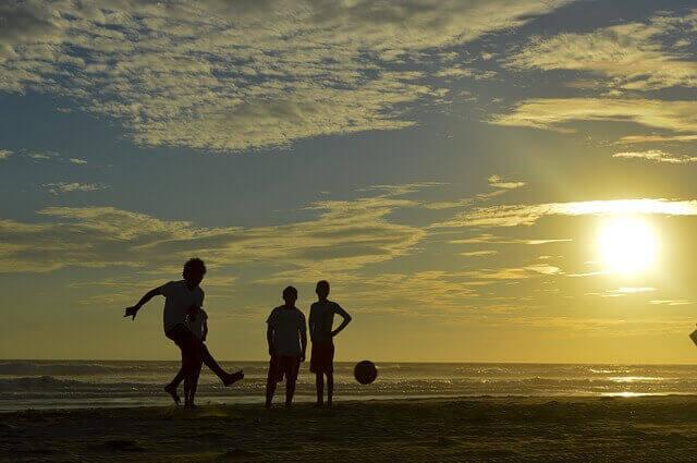 子ども、サッカー