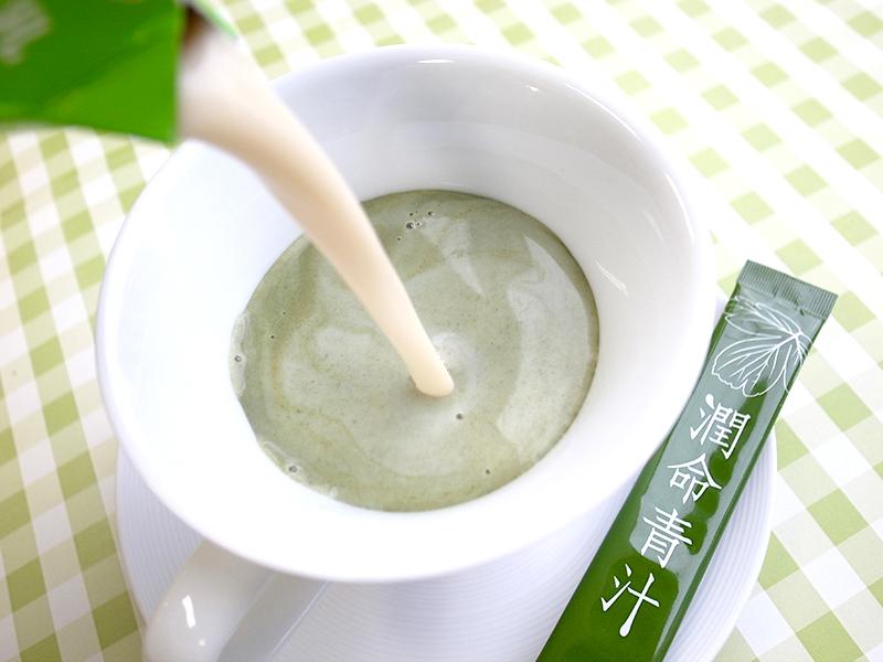 長命草(ボタンボウフウ)・大麦若葉・桑の葉配合 潤命青汁