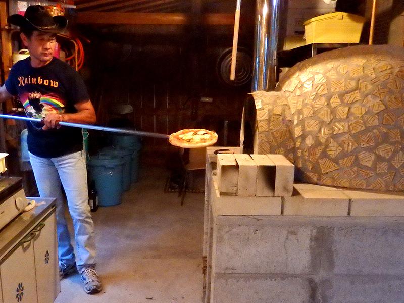 長命草(ボタンボウフウ)を使って自宅でピザ作り