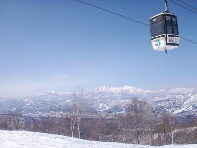 野沢温泉スキー場からの妙高・火打