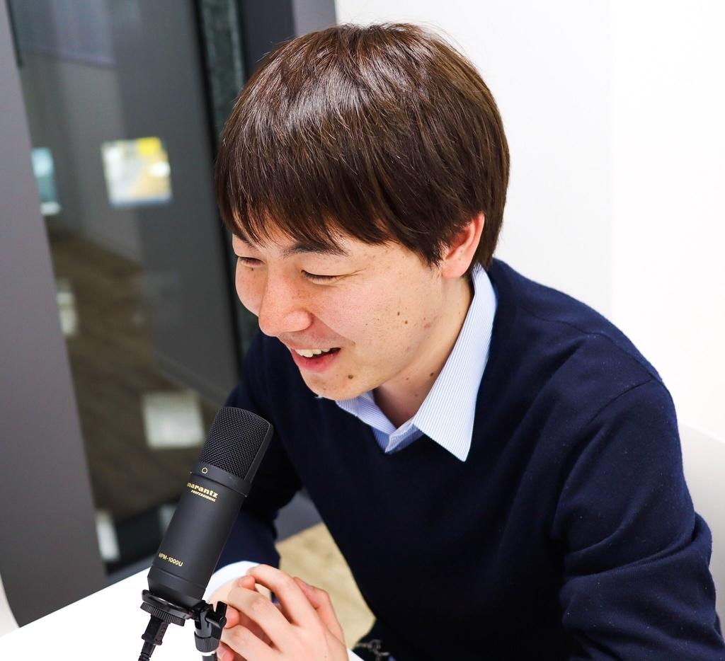 Podcast収録に臨むimaizumeさん