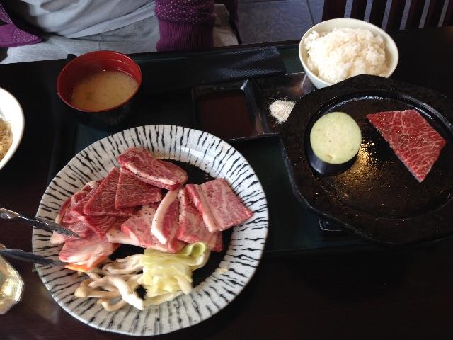 赤牛 ランチ プレートで焼き肉