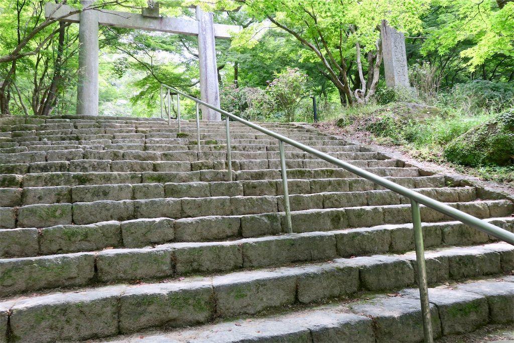 竈門神社の鳥居と階段