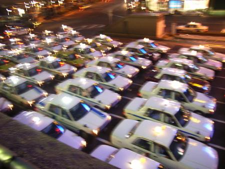 仙台駅前・タクシー群