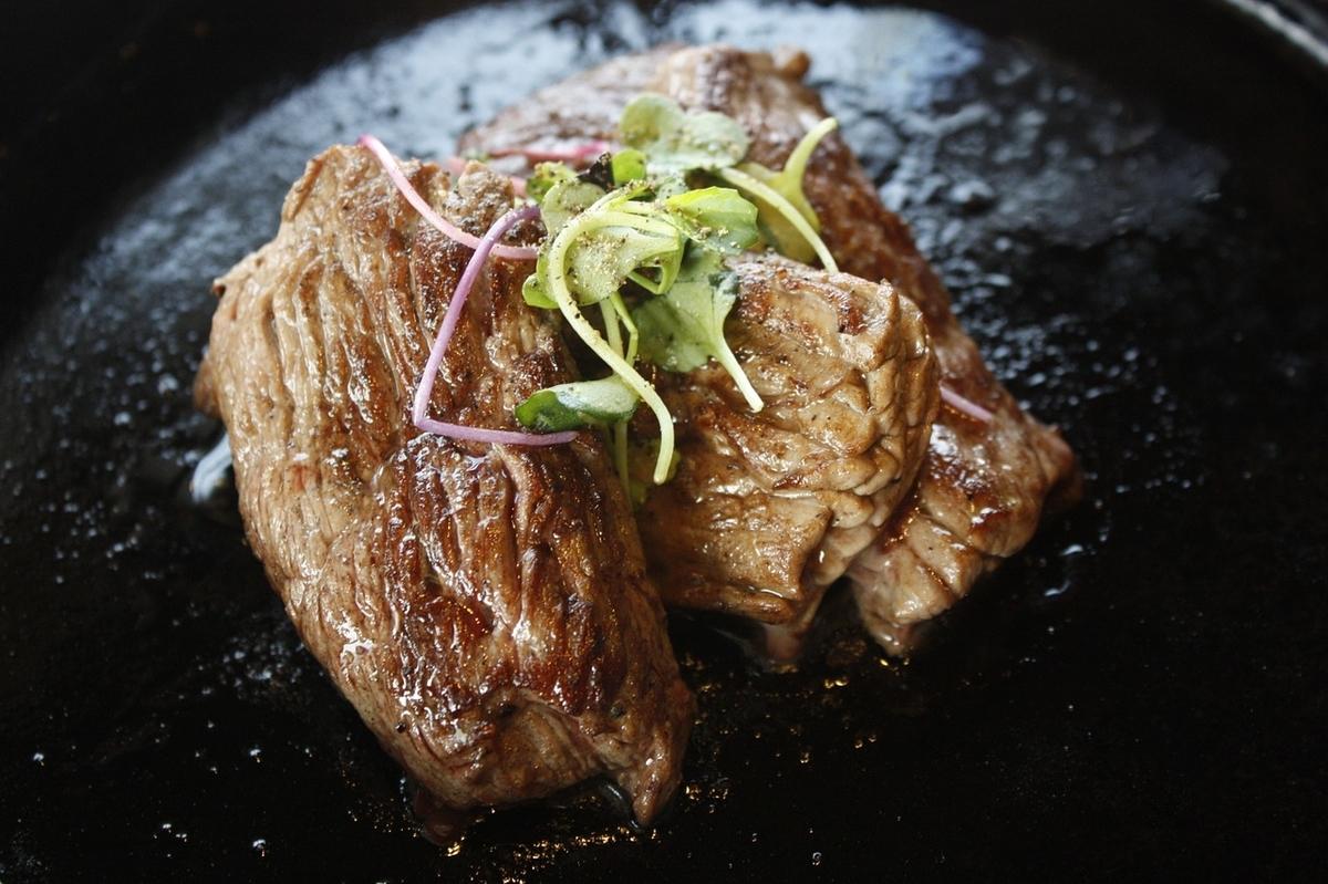 レストランの肉のイメージ