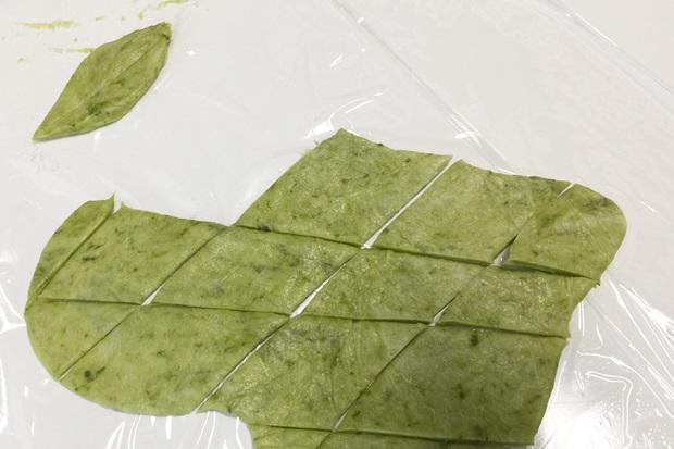 薔薇のアップルパイの葉っぱ作り方