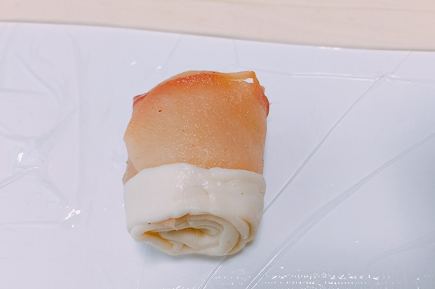薔薇のアップルパイの巻き方