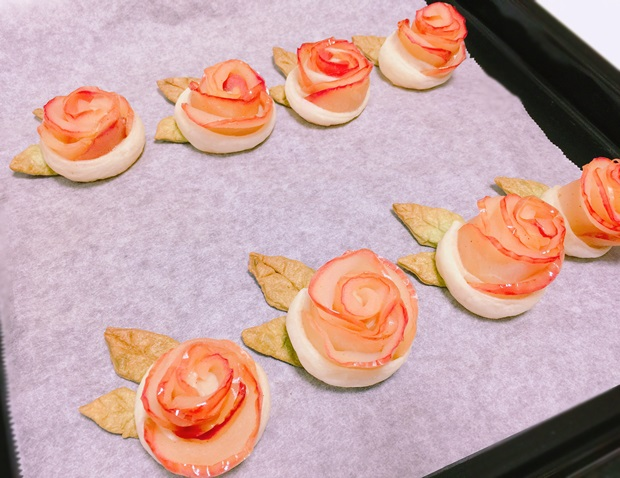 薔薇のアップルパイ焼き立て