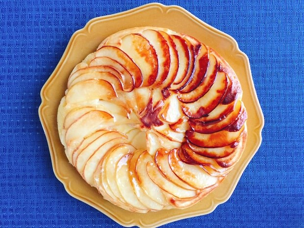 フライパンりんごケーキレシピ盛り付け