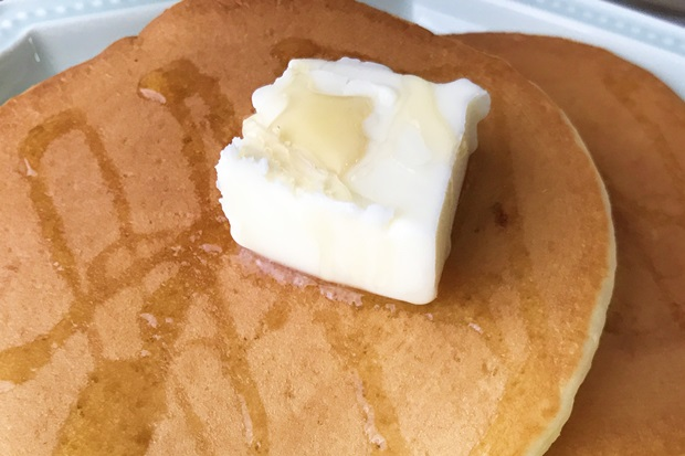 パンケーキとカルピスバターの画像
