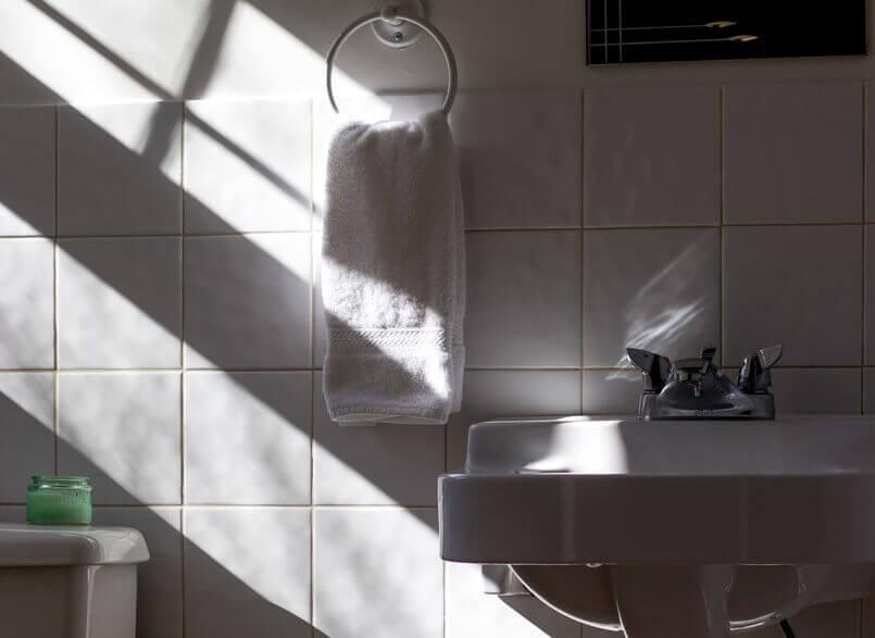 トイレが暗くて怖いときの対策【がんばれ小学生】