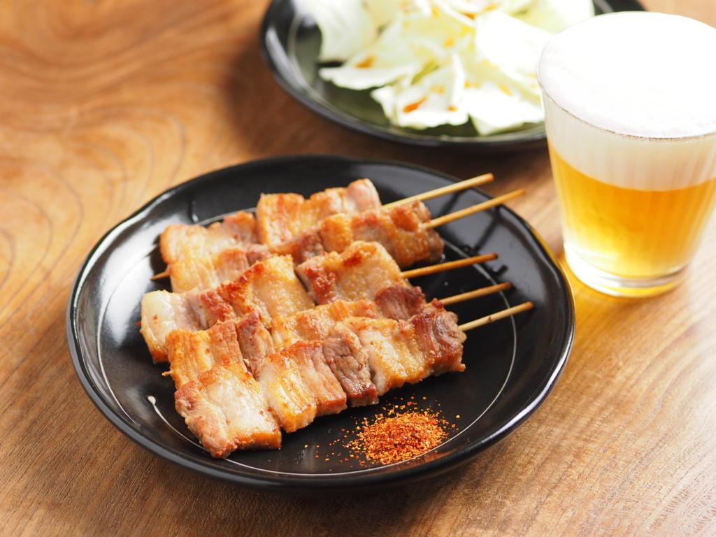 九州で「焼き鳥」といえばこれ!「豚バラ串」【今週は屋台の味】