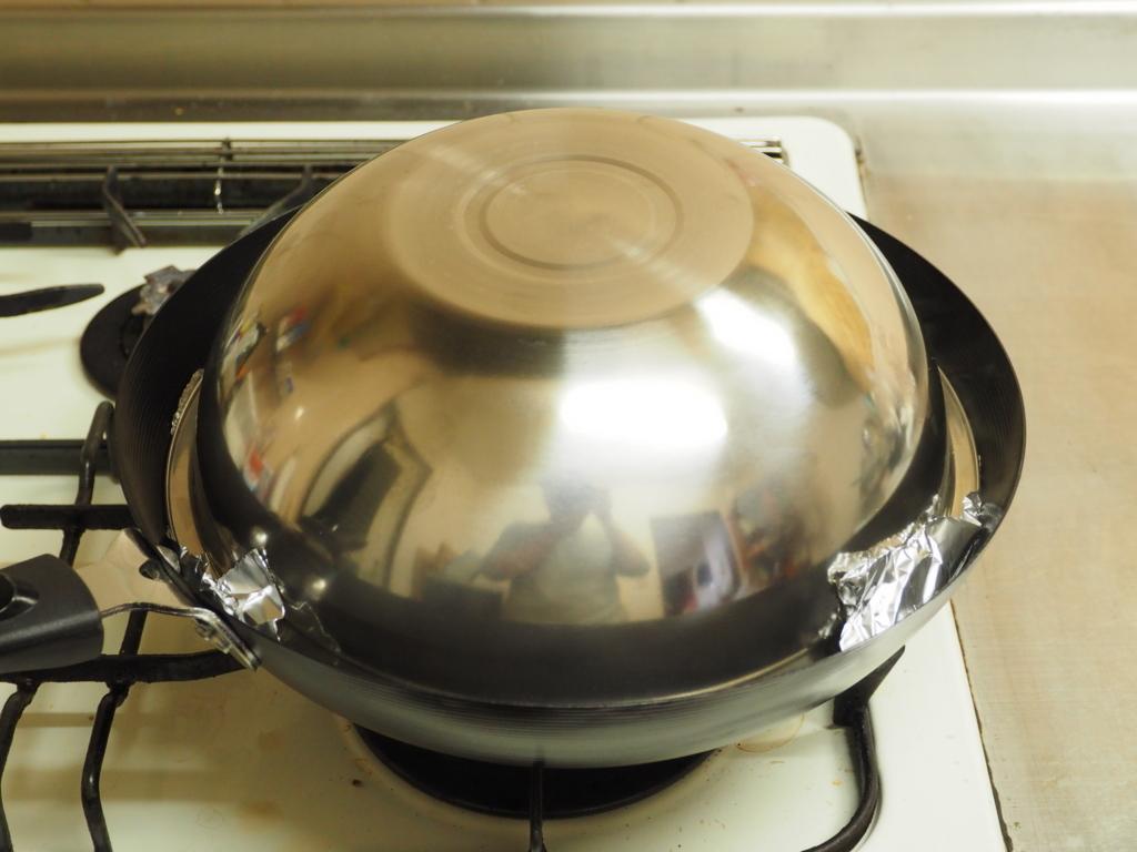 「お茶っ葉3分燻製」でベーコンを激ウマに味変してみた【筋肉料理人】