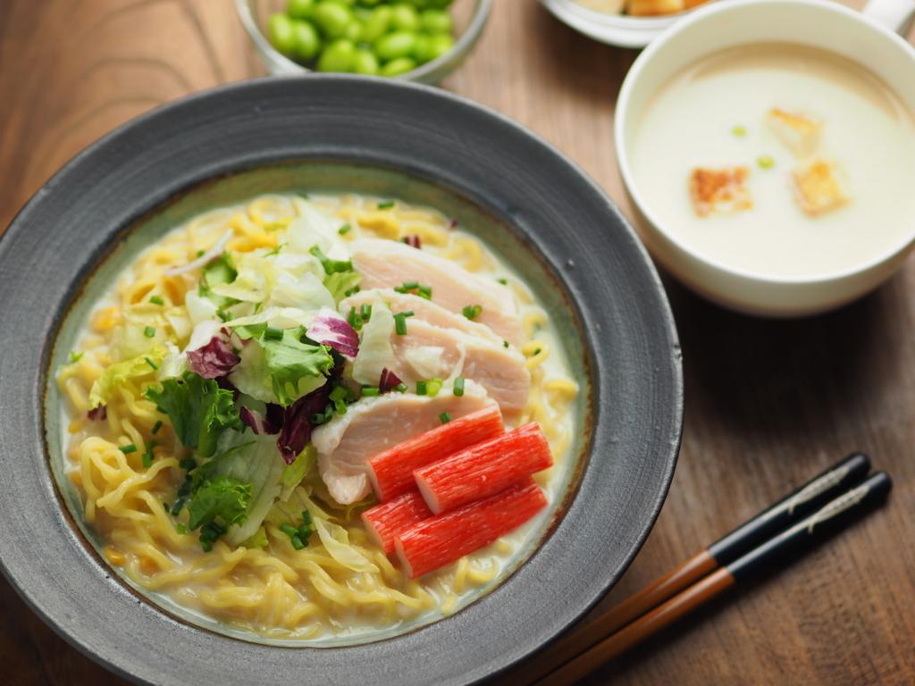 冷た~い豆乳スープの「コクうま冷やしラーメン」は最後の一滴まで飲み干せる