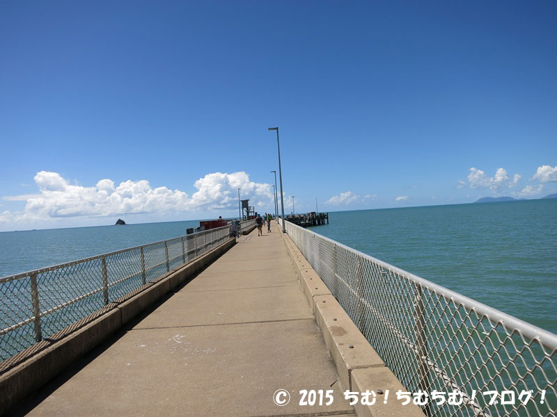 パームコーブビーチの桟橋