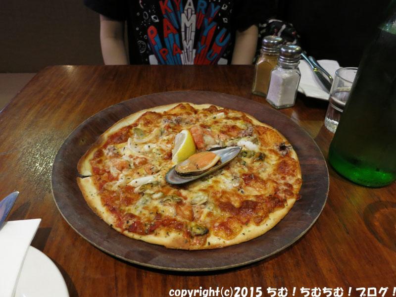 シーフードのピザ