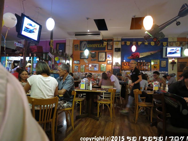 HOG'S BREATH CAFEの店内
