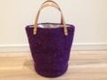 紫色の毛糸バッグ
