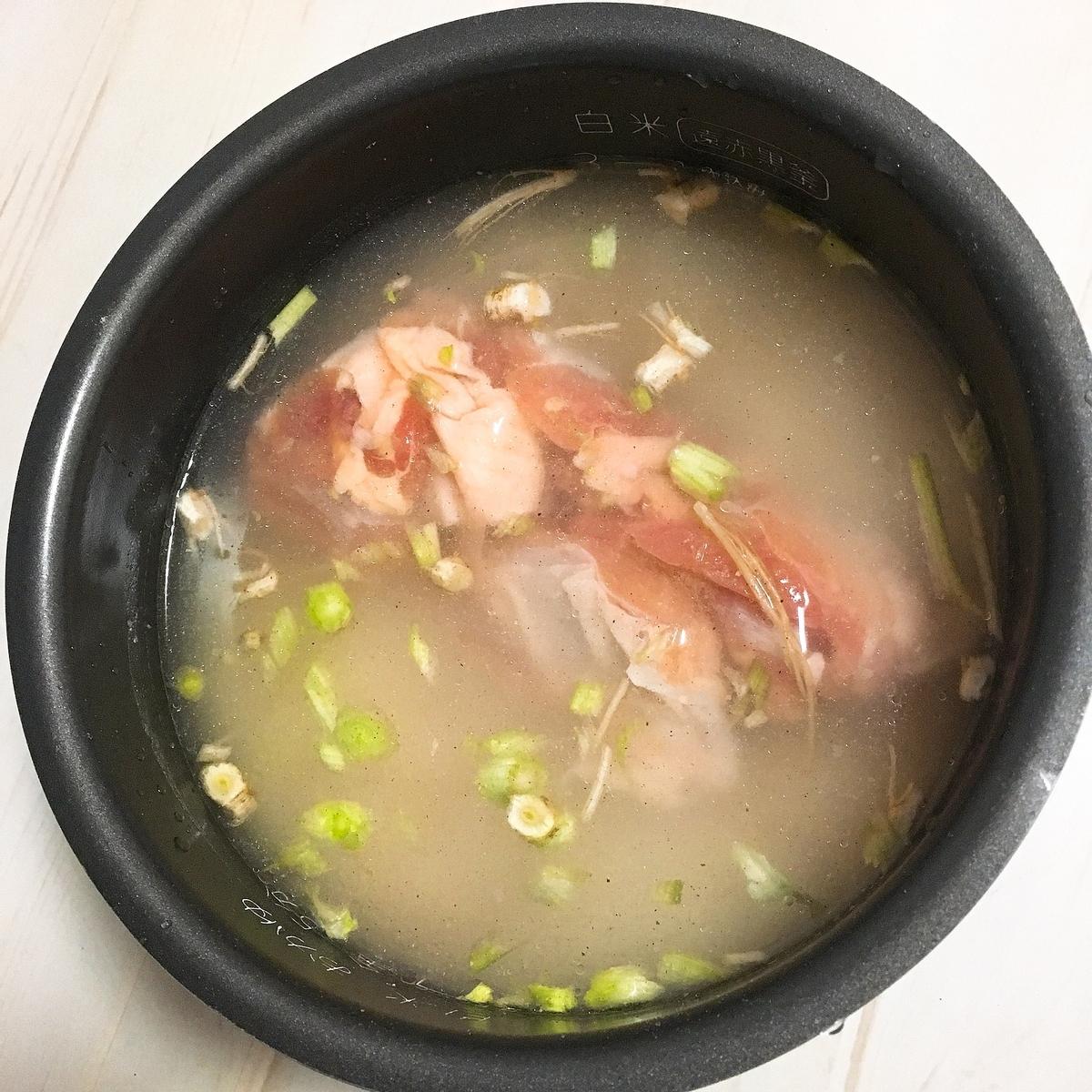 炊飯器に鶏肉