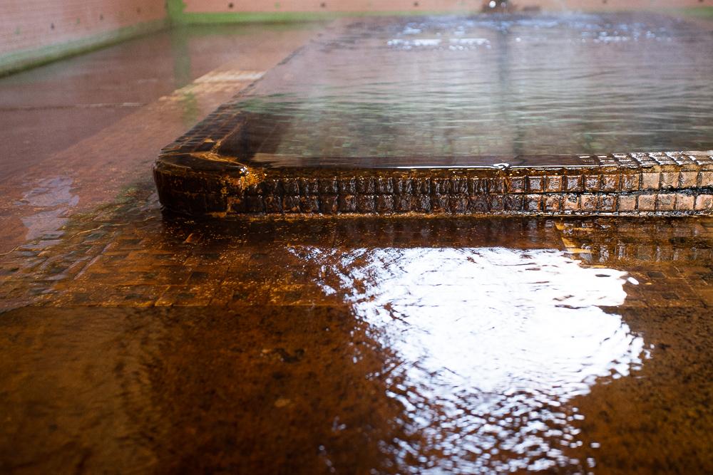 江之島温泉浴槽のつくり