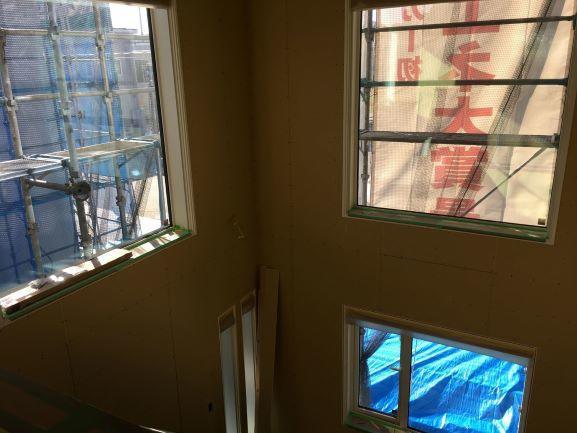 吹き抜け窓2