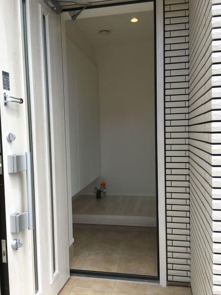 狭小玄関ドア、ファノーバ採光重視
