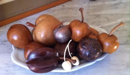 象牙のさくらんぼ、木製アフリカの果物の置物