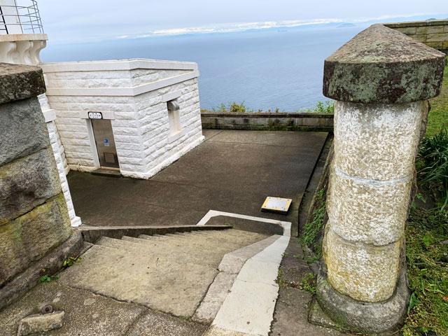 経ヶ岬灯台前の階段