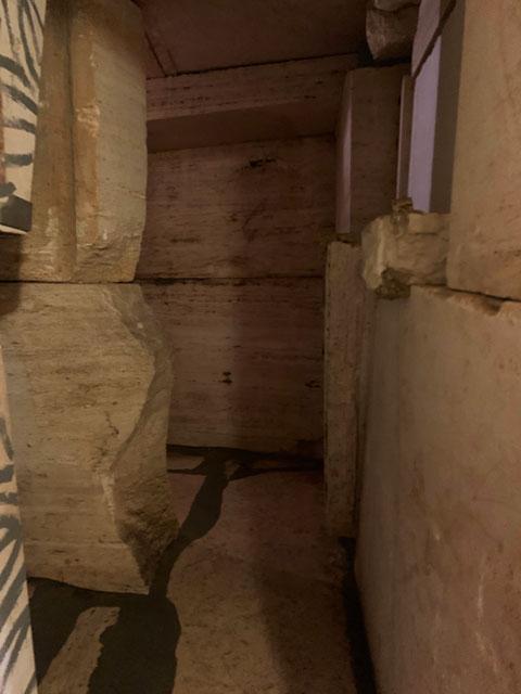 ピラミッド内部 迷路
