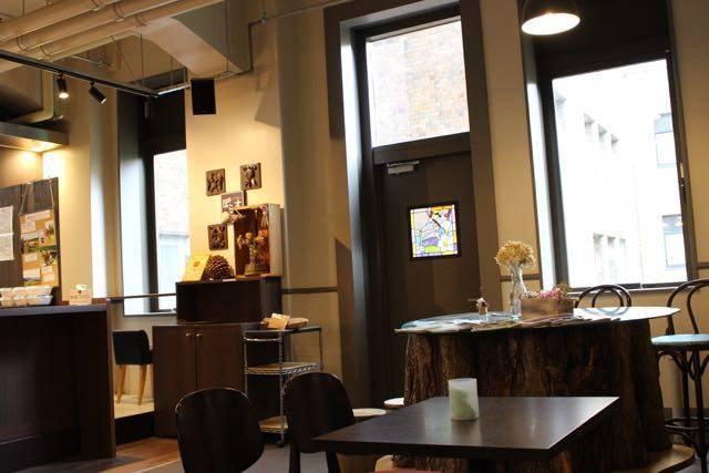 北大ミュージアムカフェぽらすテーブル