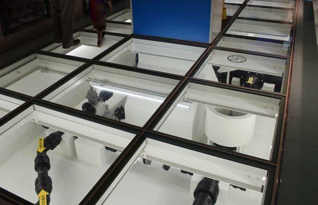 札幌市水道記念館 ゆかガラス