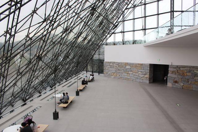 モエレ沼公園 ピラミッド アトリウム