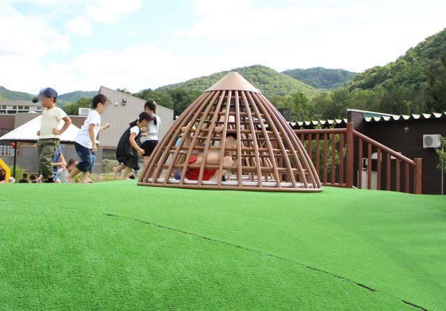 円山動物園 プレーリドッグの巣穴2