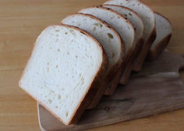 アンジュ 食パン